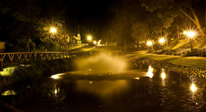 Parque en Kuldiga, Letonia Fotos de archivo