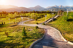 Parque en montañas Imágenes de archivo libres de regalías