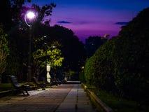 Parque grande σε Σαραγόσα τη νύχτα Στοκ Εικόνες