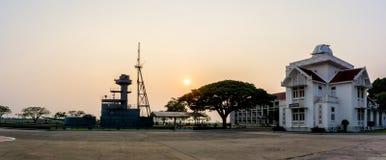 Parque histórico de la Academia Naval tailandesa real en la provincia de Samut Prakan, Tailandia foto de archivo