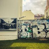 Parque memorável de Berlin Wall em Bernauer Straße, Mitte, Berlim, Alemanha Foto de Stock Royalty Free