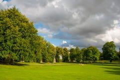 Parque na cidade de Ringsted em Dinamarca fotografia de stock