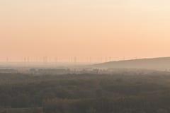 Parque na natureza, parque do moinho de vento da energia renovável Imagem de Stock Royalty Free