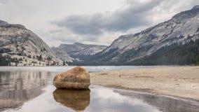Parque nacional Califórnia E.U. de Yosemite do lago Tioga Foto de Stock Royalty Free