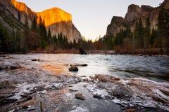 Parque nacional California los E.E.U.U. de Yosemite de la opinión del valle Fotografía de archivo