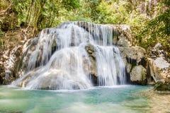 Parque nacional da cachoeira de Huaymaekamin, Kanchanaburi, Tailândia Fotografia de Stock