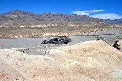 Parque nacional de Death Valley - estacionamiento en el punto de Zabriskie Imagen de archivo