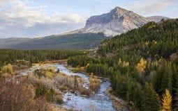 Parque nacional de geleira no outono fotografia de stock
