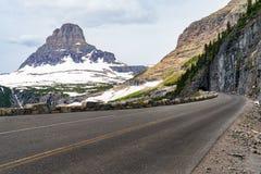 Parque nacional de geleira que vai à estrada de Sun foto de stock royalty free