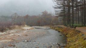 Parque nacional de Kamikochi en las montañas septentrionales de Japón de la prefectura de Nagano, Japón Montaña hermosa en hoja d almacen de video