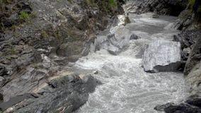Parque nacional de la garganta de Taroko en Taiw?n Rocky Marble Canyon hermoso con los acantilados y el río peligrosos metrajes