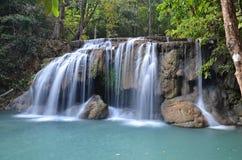 Parque nacional de las cascadas de Erawan en Tailandia Imágenes de archivo libres de regalías