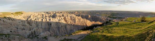 Parque nacional de los Badlands - los pináculos pasan por alto en la puesta del sol Fotos de archivo libres de regalías