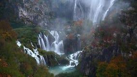 Parque nacional de los lagos Plitvice en Croatia almacen de video