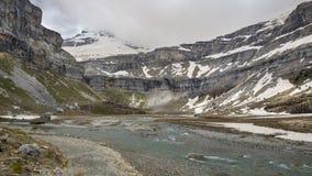Parque nacional de Ordesa y Monte Perdido com alguma neve imagens de stock royalty free