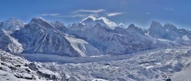 Parque nacional de Sagarmatha, geleira de Everest, de Lhotse e de Ngozumpa fotografia de stock royalty free