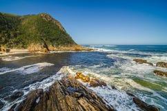 Parque nacional de Tsitsikamma, ruta del jardín, el Océano Índico, Suráfrica Fotos de archivo