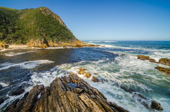 Parque nacional de Tsitsikamma, ruta del jardín, el Océano Índico, Suráfrica Imagen de archivo