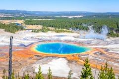 Parque nacional de Yellowstone de las aguas termales prismáticas magníficas Imágenes de archivo libres de regalías