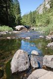 Parque nacional de Yosemite do rio Fotos de Stock Royalty Free