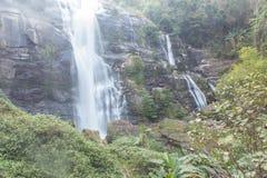 Parque nacional del inthanon del doi de la cascada de Wachirathan, Chomthong Chiang Mai fotografía de archivo libre de regalías