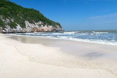 Parque nacional del khao-Sam-ROI-yot de la playa blanca de la arena Foto de archivo libre de regalías