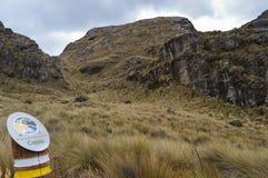 Parque nacional do EL Cajas, Equador, totem foto de stock