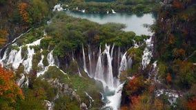 Parque nacional dos lagos Plitvice em Croatia video estoque