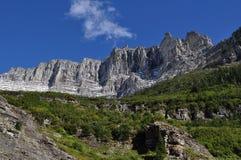 Parque Nacional Glacier de la formación de roca foto de archivo