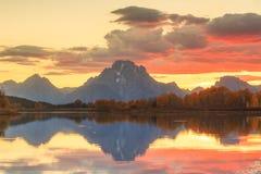 Parque nacional magnífico de Teton en otoño imagenes de archivo