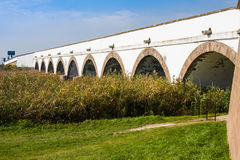 parque nacional Nove-furado Hungria de Hortobagy da ponte imagem de stock
