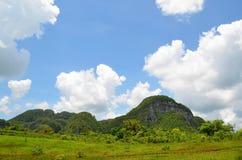 Parque nacional Vinales en nubes Imágenes de archivo libres de regalías
