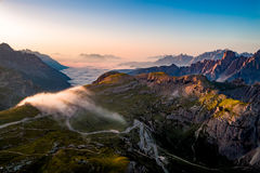 Parque natural nacional Tre Cime In os cumes das dolomites N bonito Imagens de Stock Royalty Free