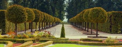 Parque público del florista del estado de Rundale, Letonia, Europa Imagenes de archivo
