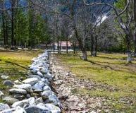 Parque pequeno no vale de Naran, Paquistão Foto de Stock