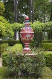 Parque in Sevilla met geschilderde ceramische elementen wordt verfraaid dat Stock Foto's