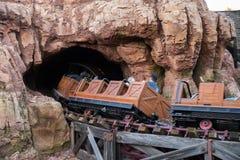 Parque temático de Disneyland Resort em Anaheim, Califórnia imagens de stock