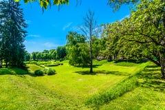 Parque verde en Karlovac, Croacia fotos de archivo