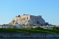 Parque y acrópolis del fondo de Atenas Fotografía de archivo libre de regalías