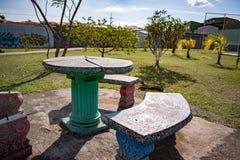 Parque y jardín y cielo fotos de archivo