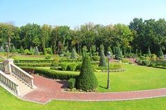 Parquee cerca de construir Honka en la residencia privada anterior del expresidente Yanukovich Fotos de archivo libres de regalías