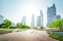Parquee en el centro financiero del lujiazui, Shangai, China Foto de archivo libre de regalías