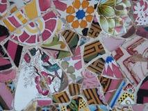 Parquee las tejas únicas del ` s de Barcelona Gaudà de la ana del ¼ de Gà Fotografía de archivo