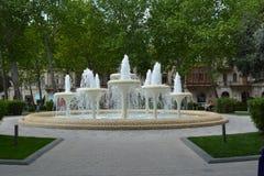 Parques da cidade de Baku, fontes Foto de Stock