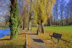Parques en otoño, Inglaterra de Londres fotos de archivo libres de regalías
