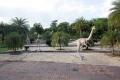 Parques públicos das estátuas e do dinossauro em KHONKEAN, TAILÂNDIA Fotografia de Stock