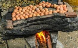 Parrilla de los huevos en piedra Fotografía de archivo