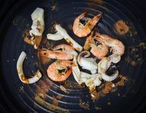 Parrilla del camarón y del calamar imagen de archivo libre de regalías