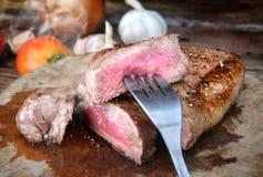 Parrilla del filete de carne de vaca del hecho Imágenes de archivo libres de regalías