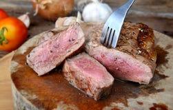 Parrilla del filete de carne de vaca del hecho Fotos de archivo libres de regalías